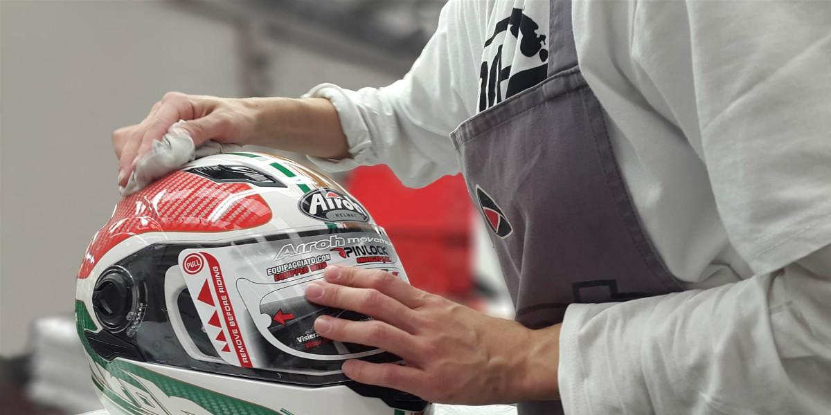 Cara Mencuci Helm Paling Mudah