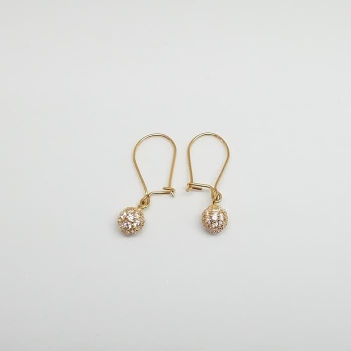 Tips Memilih Anting Emas yang Cocok dengan Bentuk Wajah